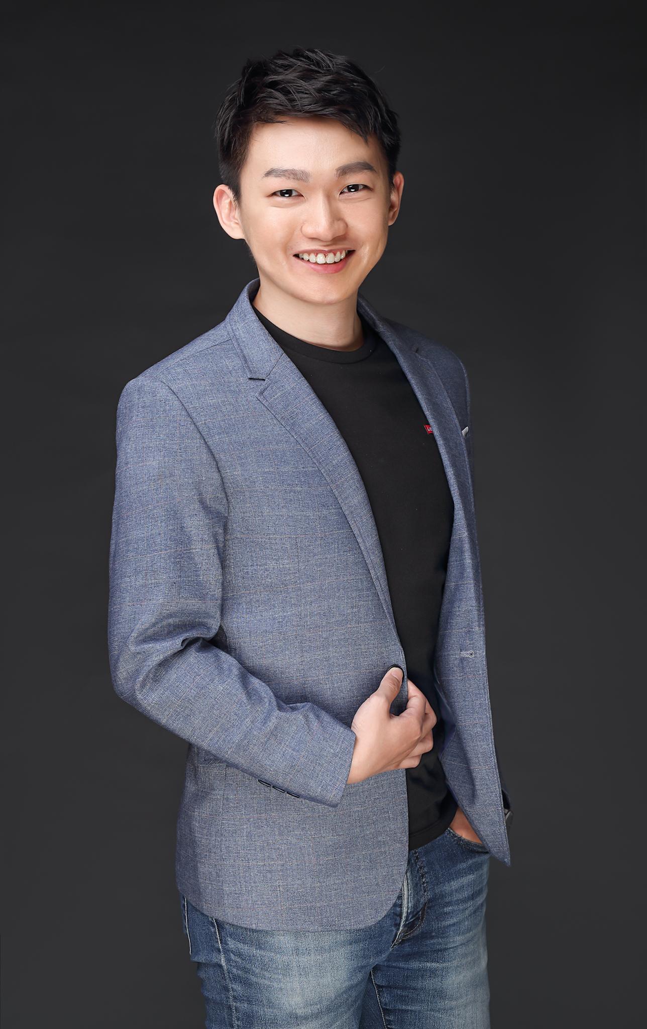 Speaker Frank Yang's avatar